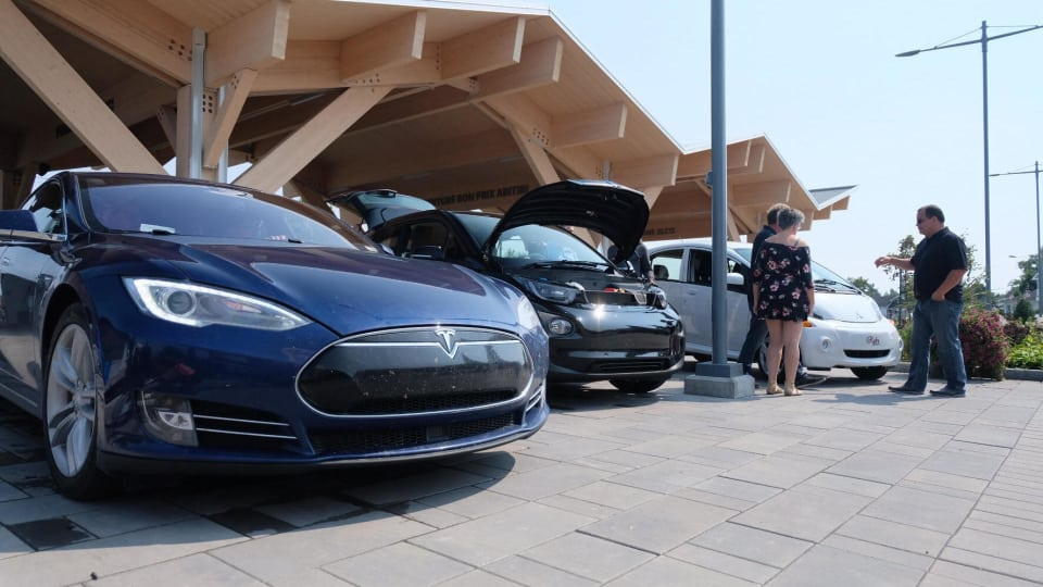 Ontario leads Quebec for electric car sales