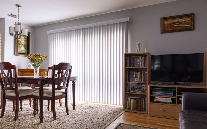 Important Things to Consider Before Installing Cafe Blinds
