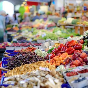 Is It Expensive To Buy Groceries From A Supermarket?