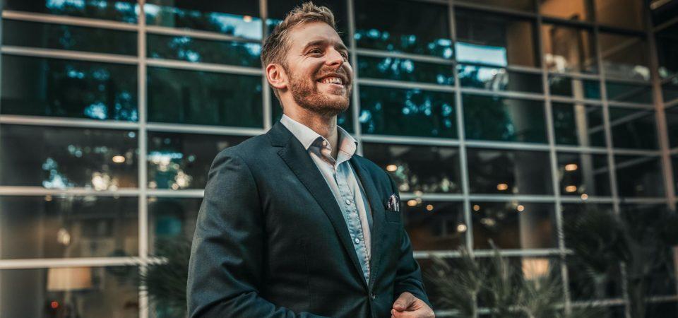 How Ogline digital founder Dylan Ogline grew his business to 7 figure profits